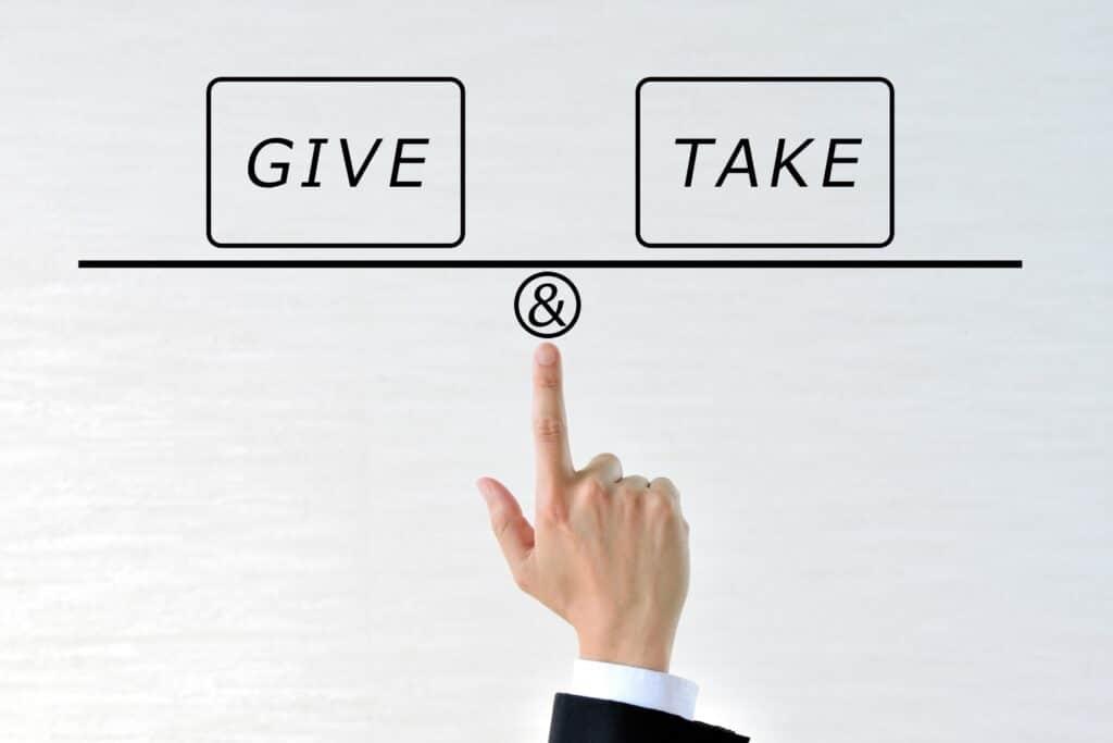 GiveとTakeの天秤